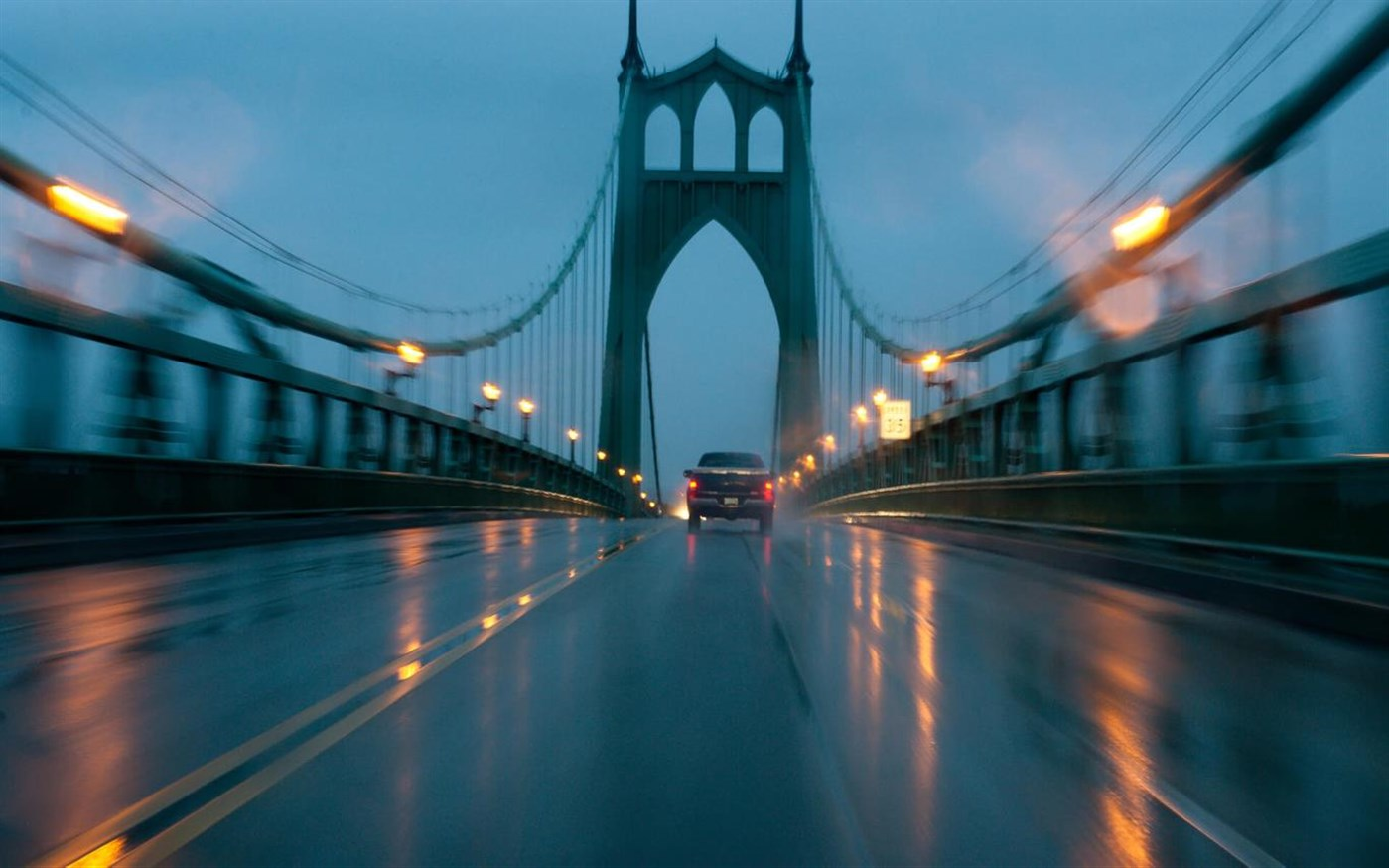 """Microsoft Added """"City in the Rain"""" Wallpaper Pack To ..."""